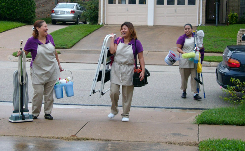 3-FEMALE-CLEANERS-LEVING-THE-HOUSE1